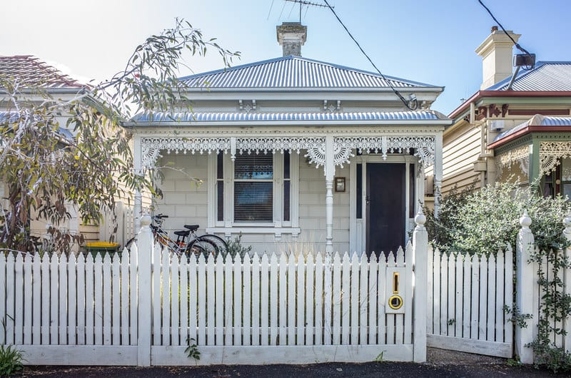 How are home loan interest rates calculated